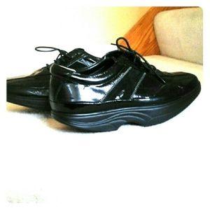 Cogent Neutral Balance Mechanism Rocking Shoes